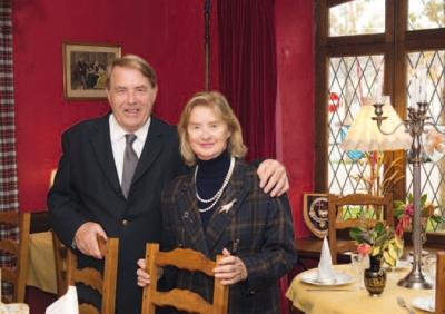 Mr Et Miss Drapeau co-gérant de l'Hôtel Marie Stuart