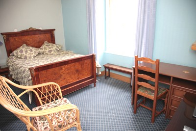 Hotel la roche sur yon chambre spacieuse
