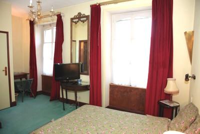 Hotel la roche sur yon chambre décorée